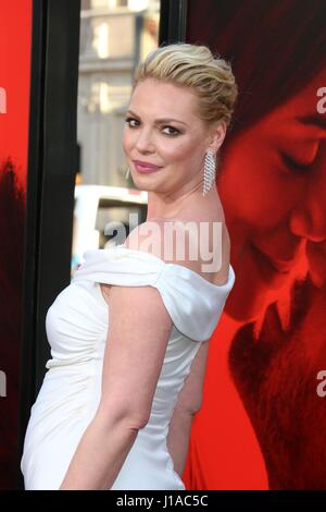 Los Angeles, California, USA. 18th Apr, 2017. Katherine Heigl at arrivals for UNFORGETTABLE Premiere, TCL Chinese - Stock Photo