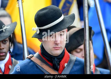 Philadelphia, Pennsylvania, USA. 19th Apr, 2017. Revolutionary soldier at the Museum of the American Revolution - Stock Photo