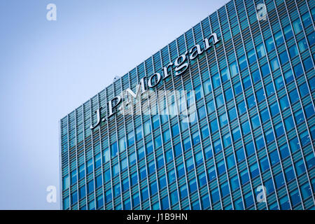 Logo sign of JP Morgan Bank on side of their European Headquarters office building in Canary Wharf, Docklands, London - Stock Photo