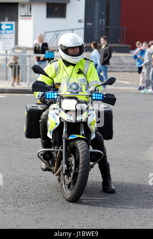 psni police officer traffic police on bmw motorbike northern ireland - Stock Photo