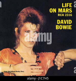 Front cover of the record sleeve for the UK single Life On Mars by David Bowie. Issued by RCA Records on 29th June - Stock Photo