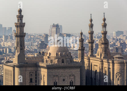 Wahrzeichen In; The Sultan Hassan Mosque, And On The Right The Al Rifai  Mosque In Cairo,