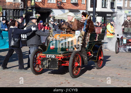 The Mayor and Mayors of Crawley greet Mr Mike Mutters, driving his 1904 De Dion Buton, during the London to Brighton - Stock Photo