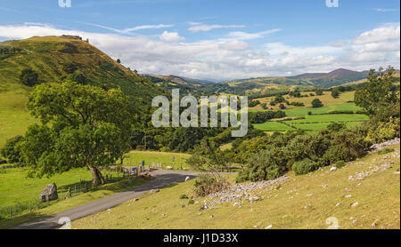 View looking west along the river Dee valley with Castell Dinas Bran on the left and Llantysilio Mountain on the - Stock Photo