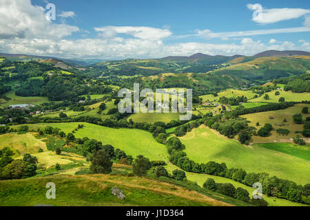 View looking west from Castell Dinas Bran near Llangollen along the river Dee valley with Maesyrychen Mountain and - Stock Photo
