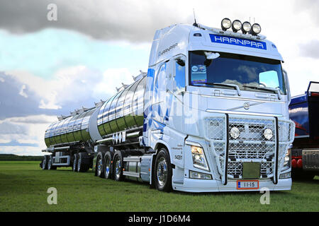 ALAHARMA, FINLAND - AUGUST 12, 2016: White Volvo FH540 year 2015 for bulk transport of H Mustakangas with lights - Stock Photo