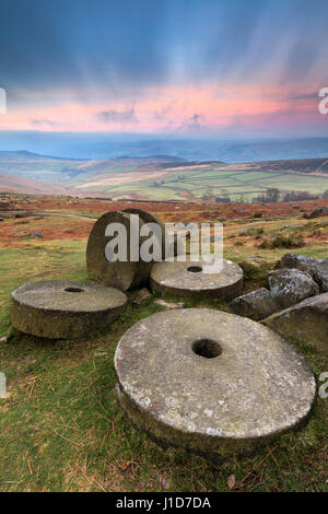 Millstones on Stanage Edge in the Peak District National Park - Stock Photo
