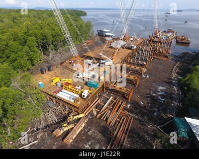 (170420) -- BANDAR SERI BEGAWAN, April 20, 2017 (Xinhua) -- Photo taken on April 15, 2017 shows an aerial view of - Stock Photo