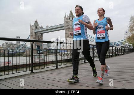 London, UK. 21st April, 2017. Jake and Poppy.  The 2017 Virgin Money London Marathon has been celebrating every - Stock Photo