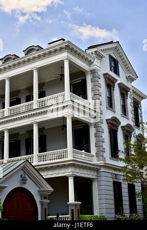 ... Beautiful colonial style house near East battery street Charleston,  South Carolina - Stock Photo