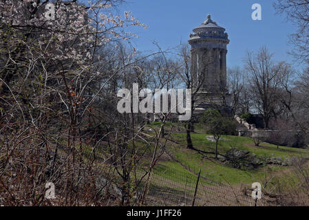 The Soldiers and Sailors' Monument in Riverside Park New York City - Stock Photo