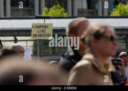 Bristol, UK. 22nd Apr, 2017. Banner in the crowd 'I chuffing love engineering' Credit: Rob Hawkins/Alamy Live News - Stock Photo