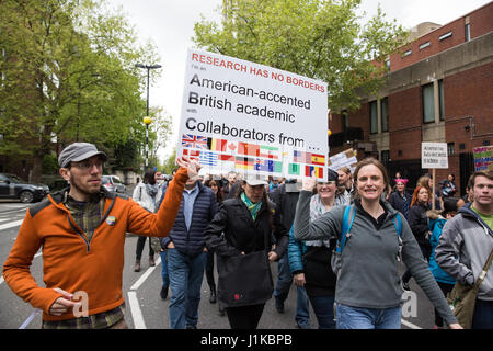 London, UK. 22nd Apr, 2017. Scientists march through central London on the 'March for Science' as part of a global - Stock Photo