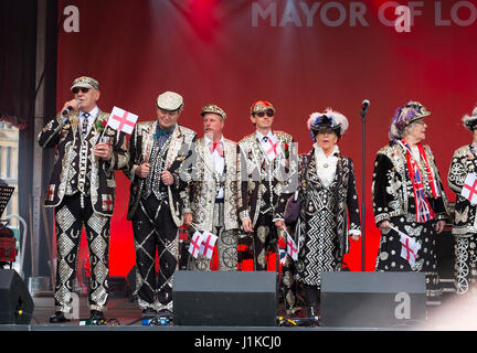 Trafalgar Square, London, UK. 22nd Apr, 2017. London celebrates St Georges Day at the Mayor of London's annual Feast - Stock Photo