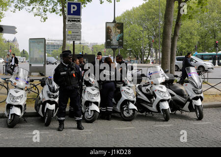 Paris, France. 22nd Apr, 2017. Police officers are there to protect the march. A few hundred people participated - Stock Photo