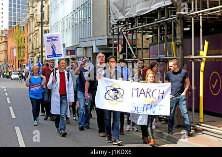 Manchester, UK. 22nd April, 2017. Hundreds of supporters of science marched through the streets on earth day as - Stock Photo