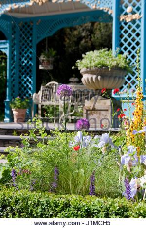 The Victorian Aviary Garden Designers Philipa Pearson And Jonathan