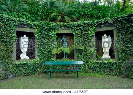 STATUES IN ALCOVES MONTE PALACE TROPICAL GARDEN MADEIRA   Stock Photo
