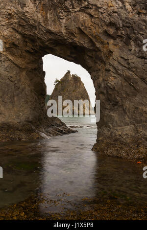 Hole-in-the-Wall rock formation, Olympic National Park, WA, USA - Stock Photo
