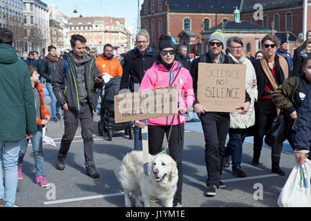Christiansborg Castle Square, Copenhagen, Denmark. 22nd April, 2017. The participants reach Christiansborg. The - Stock Photo