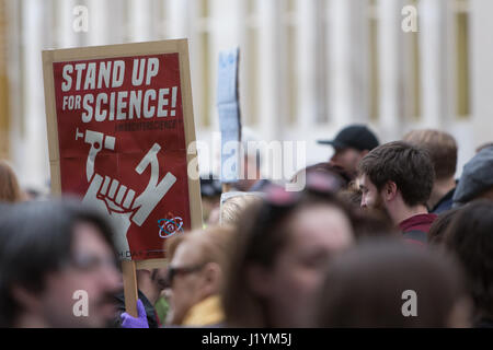 London, UK. 22nd Apr, 2017. The March for Science took place today 22nd April 2017,  in over 500 places across the - Stock Photo