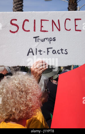 Fullerton, California, USA. 22nd Apr, 2017. Scientists join the worldwide March for Science. Credit: Gary L. Friedman/The - Stock Photo