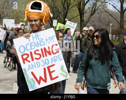 Chicago, USA. 22nd Apr, 2017. People take part in the March for Science in Chicago, the United States, on April - Stock Photo