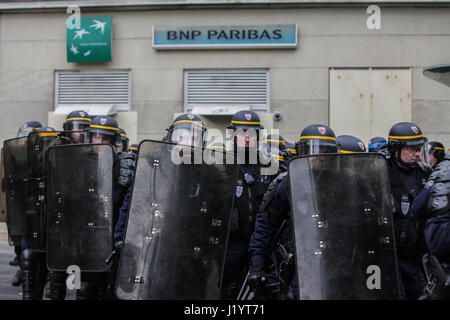 Paris, France. 22nd Apr, 2017.  Demonstration: some 2,000 demonstrators gathered at the call of trade unions and - Stock Photo