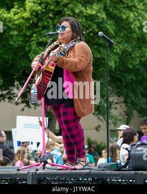 Sacramento, California, USA. 22nd Apr, 2017. Performer in Sacramento's  March for Science on Earth Day. Science - Stock Photo