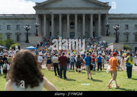 Columbia, USA. 22nd April, 2017. Demonstrator gather on the steps of The South Carolina State House in Columbia - Stock Photo