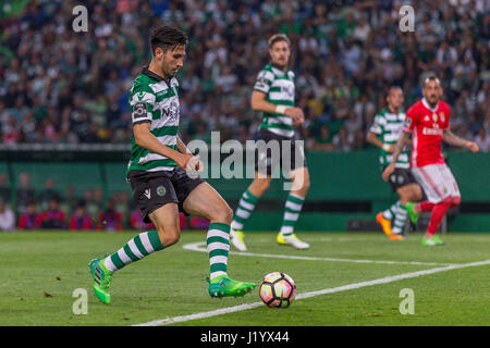 Lisbon, Portugal. 22nd Apr, 2017. April 22, 2017. Lisbon, Portugal. Sporting's defender from Portugal Paulo Oliveira - Stock Photo
