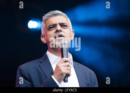London, UK. 22nd April 2017. Sadiq Khan, Mayor of London speaking on the stage at St George's Day celebrations in - Stock Photo