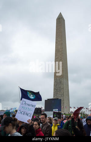 Washington, DC, USA. 22nd April, 2017. Demonstrators gather in Washington DC on Earth Day to participate in the - Stock Photo