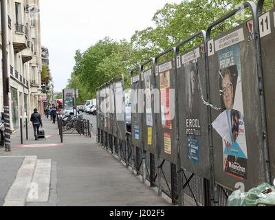 Paris, France. 23rd Apr, 2017. Outside the polling station at the École Maternelle Richard-Lenoir in the 11th Arrondissement. - Stock Photo
