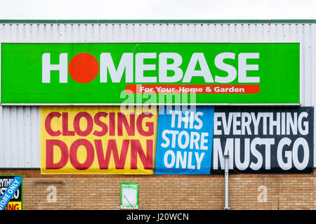 Closing Down Everything Must Go sign on a branch of Homebase. - Stock Photo