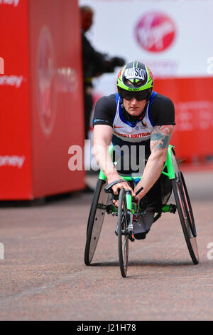 London, UK. 23rd April, 2017. Simon Lawson (GBR) finishing the Men's Virgin Money London Marathon Wheelchair Elite - Stock Photo