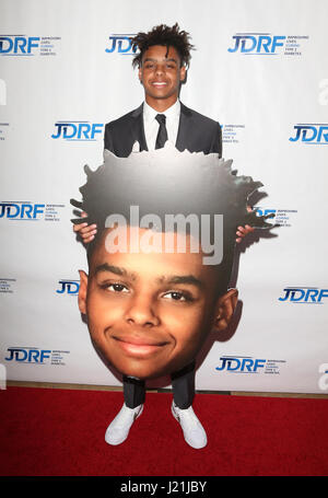 Beverly Hills, CA, USA. 17th Jan, 2017. 22 April 2017 - Beverly Hills, California - Max Harris. JDRF LA Chapter's - Stock Photo