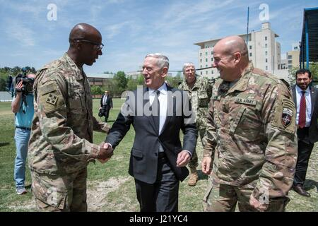 Kabul, Afghanistan. 24th April, 2017. U.S. Secretary of Defense James Mattis is greeted at Resolute Support Headquarters - Stock Photo
