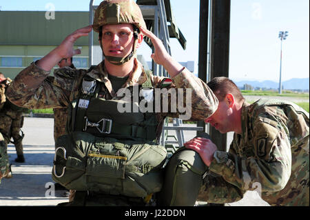 Sgt. Christopher Beseda, a U.S. Army Paratrooper from Alpha Company, 1st Battalion, 503rd Infantry Regiment, 173rd - Stock Photo