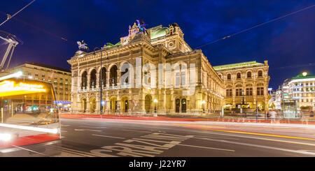 Österreich, Wien, Wiener Staatsoper, Ringstraße, Straßenbahn, Tram, Oper, Opernhaus - Stock Photo