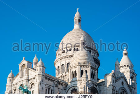 France, Île-de-France, Paris. Basilica of Sacre Coeur, Montmartre. - Stock Photo