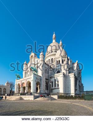 France, Île-de-France, Paris. Basilica of Sacre Coeur, Montmartre. - Stock Photo