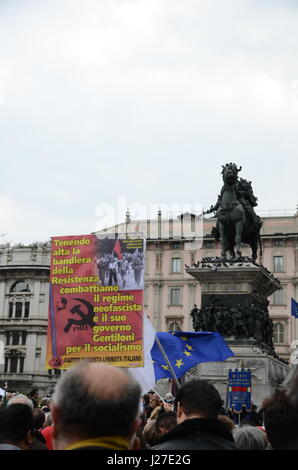 Milan, Italy. 25th Apr, 2017. Liberation Day protests in Milan, Italy Credit: Alexandre Rotenberg/Alamy Live News Stock Photo