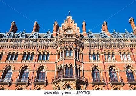 United Kingdom, England, London. St Pancras International railway station. - Stock Photo