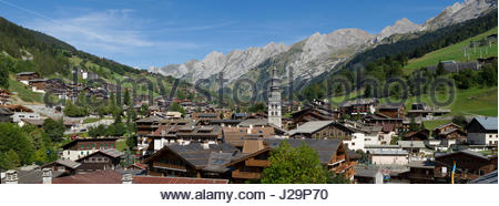 France, Eastern France, mountain range of the Aravis, La Clusaz, panorama of the village at the foot of the Aravis - Stock Photo