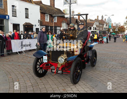 Mayor of Crawley sitting in the famous Genevieve, a 1904 Darracq, with Ms Quirina Louman,  of the Louman Museum, - Stock Photo
