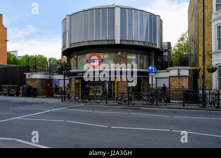 Earl's Court station - Stock Photo