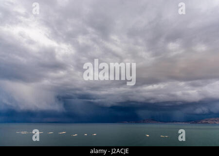 Peru, Puno, Lake Titicaca, about 3900 m above sea level, here from the Capachica peninsula. At night, thunderstorms - Stock Photo