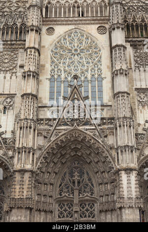 Gothic facade of Saint Gatien's Cathedral (Cathedrale Saint-Gatien de Tours) in Tours, Indre-et-Loire, France. - Stock Photo