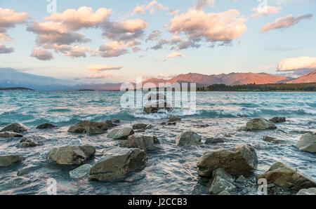 Sunset, shores of Lake Tekapo, Canterbury Region, Southland, New Zealand